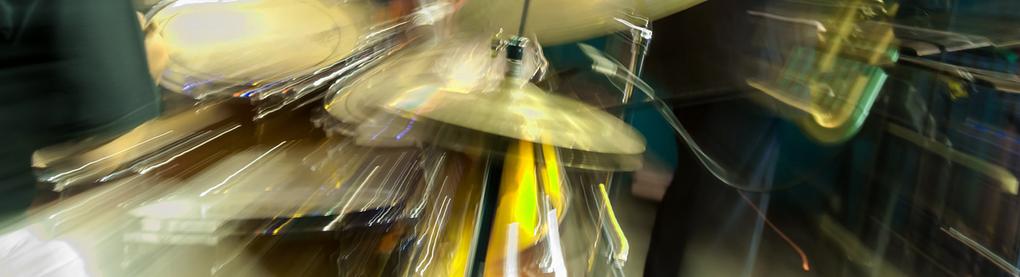 Schlagzeug (verwischte Optik)