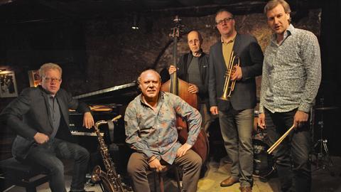 Musiker mit Instrumenten